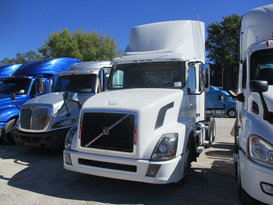 2016 VOLVO VNL64T Conventional
