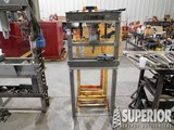 CENTRAL MACHINER 20-Ton Hyd Sh