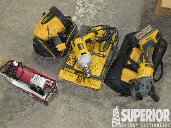 DEWALT DCG418 Rt Angle Grinder w/Battery Chargers