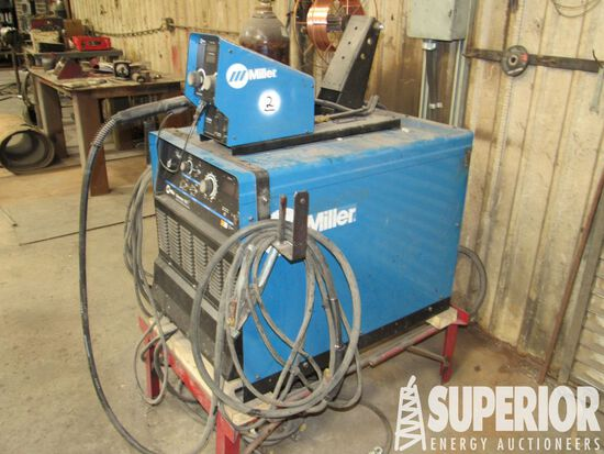 MILLER Dimension 452 CC/CV DC Welding Power Source