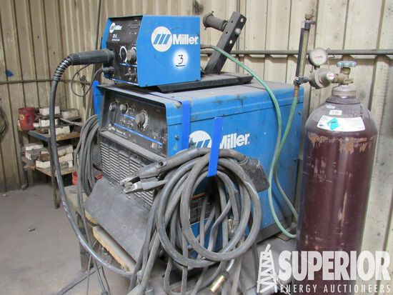 MILLER Dimension 302 CC/CV DC Welding Power Source