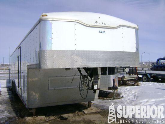 (x) (1-2) 2008 HAULMARK GRF85X38WR5 3-Axle Goosene