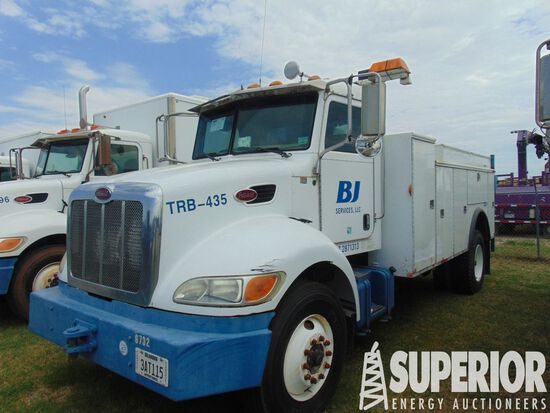 (x) 2006 PETERBILT 335 S/A Maintenance Truck, VIN-
