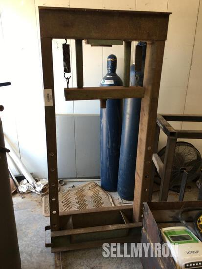 Carolina 30 Ton Press [YARD 2]