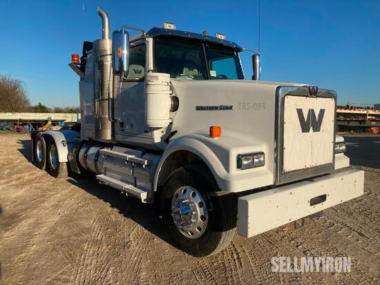 2014 Western Star 4900 SF T/A Sleeper Truck Tractor