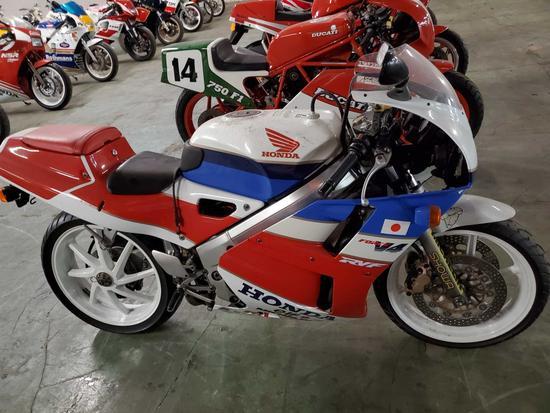 1989 Honda RVF V4, NC30