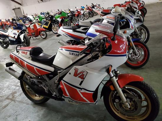 1985 Yamaha RZ500 V4