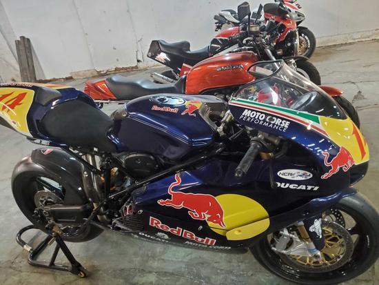 2005 Ducati 999S Race bike
