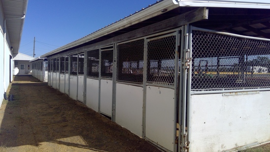 20'x 60' 12 Stall (10'x10' Fry Bros Portable Stalls) W/Roof Structure, (Outside Entry)