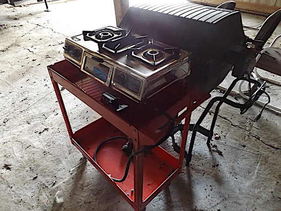 Warm Morning gas grill, 3 burner gas grill with cart
