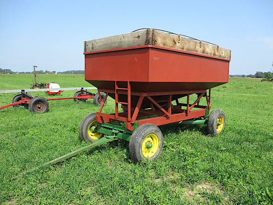 150BU GRAVITY WAGON