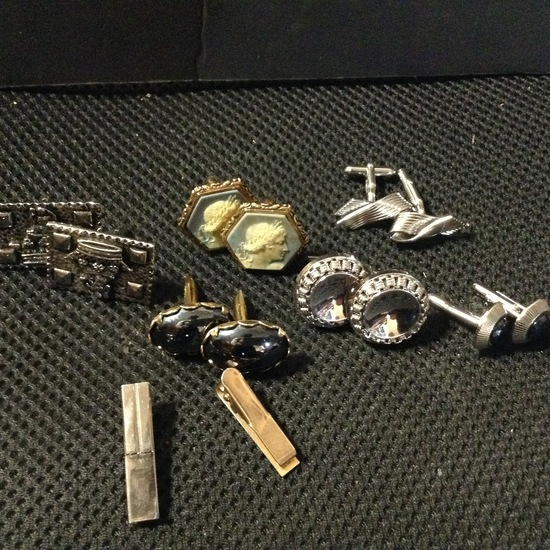 Accessories - Designer - Men; 5 Sets of Cuff Links