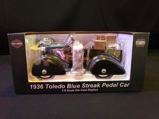 Harley Davidson 1936 Toledo Blue Streak Pedal Car