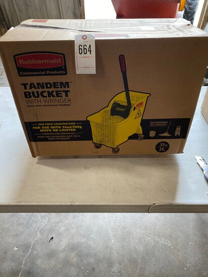 Rubbermaid Tandem bucket with ringer