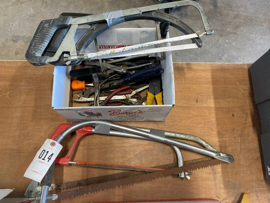 Bundle of Saws & box of tools