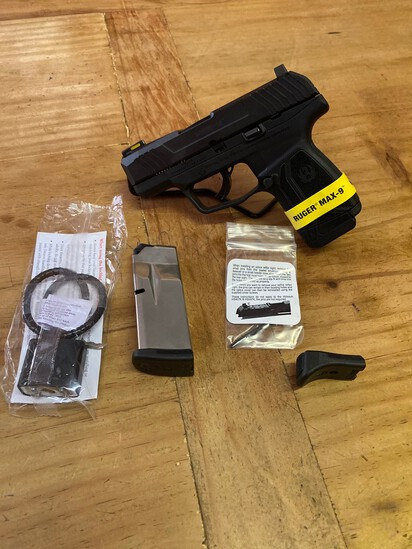 New Ruger Max -9 9MM Black Compact with 2 Mags Sn#350065669