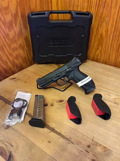 New Ruger American Pistol 9mm Black 2 Grips & 2 Mags SN#863-22918