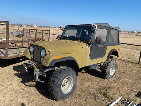 CJ7 Jeep with New Motor This is a Fun Project Jeep. Needs some work