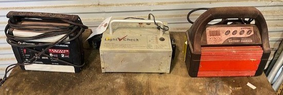 Trailer Light Checker & 2 Small Battery Chargers