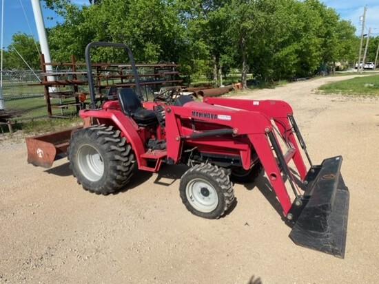 Mahindra 2816 Tractor 4WD - 434 Hours