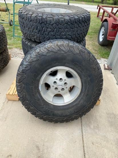 Set of 4 Jeep Wheels & Tires - BF Goodrich 35x12.5R15LT