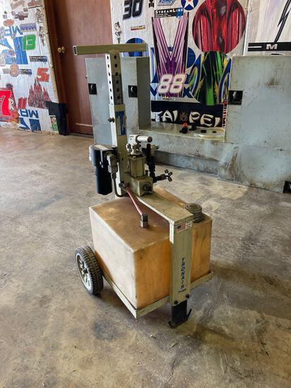 Tronair Hydraulic service pump (manual operation)