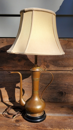 Elegant Bronze Lamp