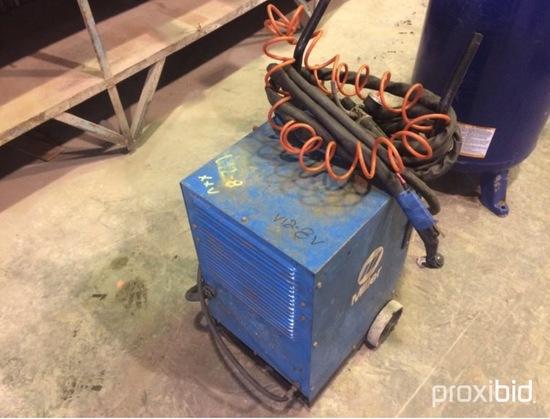 Miller plasma cutter/Coupeuse plasma 220 volts