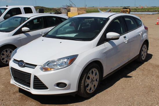 2014 Ford Focus SE Hatchback Sedan, S/N: 1FADP3K29EL365026, 54,821 KM, V4 2,0L, AC, AM-FM, Tires: 21