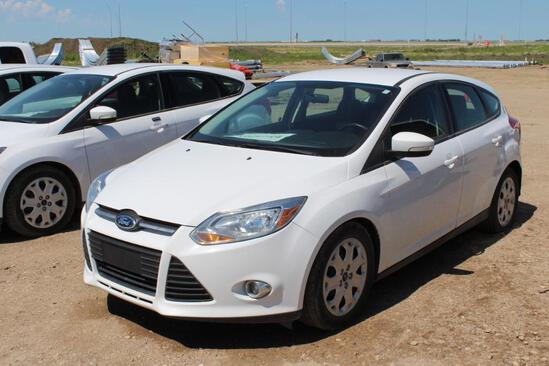 2014 Ford Focus SE Hatchback Hatch, S/N: 1FADP3K28EL364420, 61,725 KM, V4 2,0L, AC, AM-FM, Tires: 21