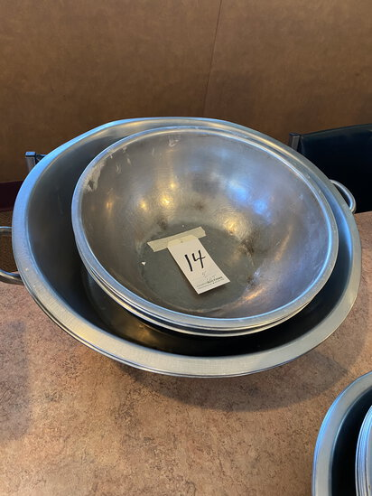 *LOT*(5)S/S MIXING BOWLS