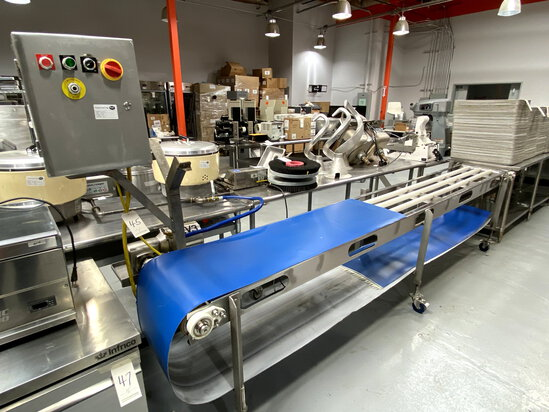 """BOSTON CUSTOM ALL S/S 12'X4"""" ELECTRIC CONVEYOR SYSTEM W/ADJUSTABLE HEIGHT CASTERS MOD. H07620"""