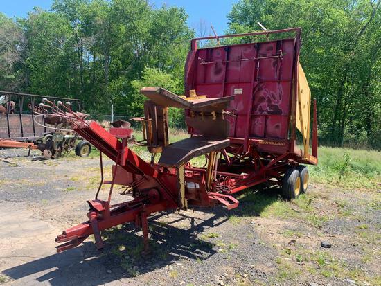 New Holland Stackliner 1032 Hay Wagon