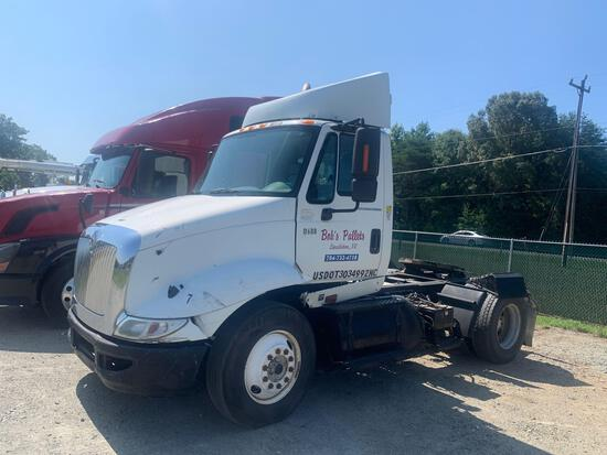 2005 International 8600 S/A Daycab Truck Tractor