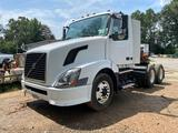 2006 Volvo VNL T/A Day Cab Truck Tractor
