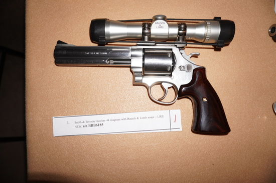 Smith and Wesson Revolver 44 Magnum