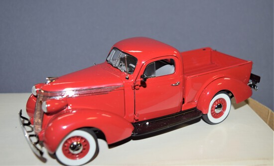 Danbury Mint 1937 Studebaker Pickup w/ Title