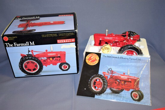 Precision Series #7 Ertl Die Cast 1/16 scale Farmall M Tractor #4610 - 1995