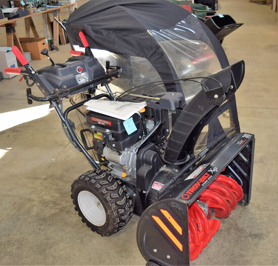 "Nice Troy Built ""Storm"" 3090 XP 30"" Snow Blower with Snow Shield"