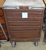 Metal tool chest on wheels