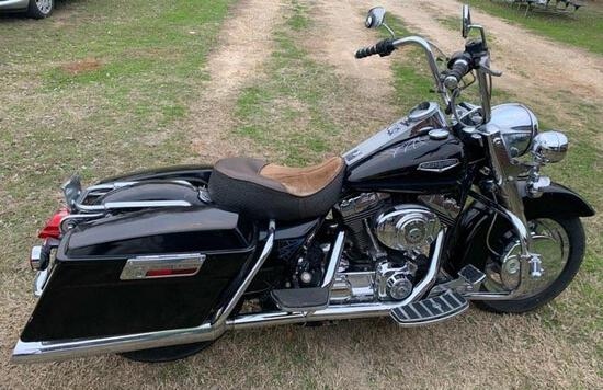Harley Davidson Motorcycle - CLICK ON PICTURE TO VIEW VIDEO