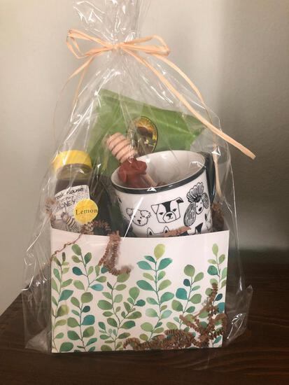 Creek House Honey Farm basket