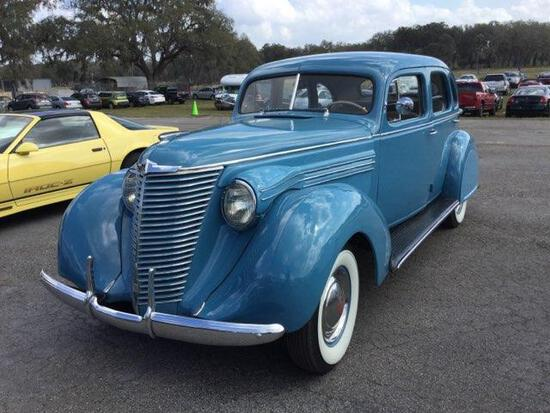 1938 Hupmobile -
