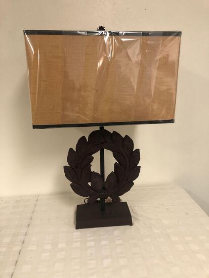 Iron reeth table lamp