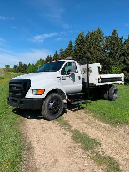 2004 Ford F650 S/A Gravel Truck