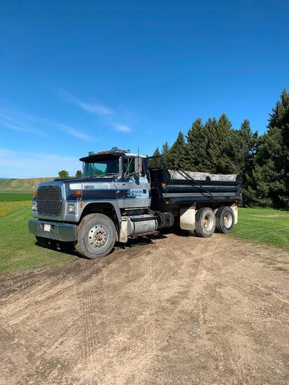 1991 Ford L8000 T/A Gravel Truck