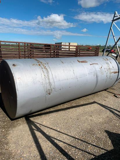 1000 Gallon Fuel tank and stand