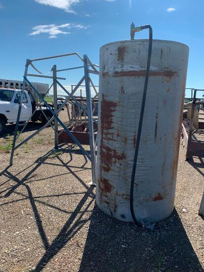 500 Gallon Fuel tank and stand