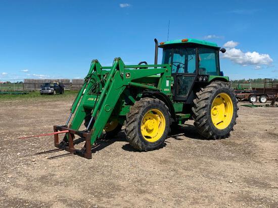 1990 JD 2955 MFWD Tractor w. FEL