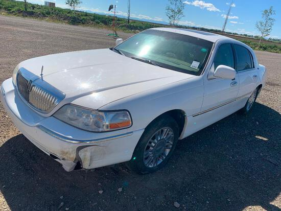2006 Lincoln Signature Limited Town Car